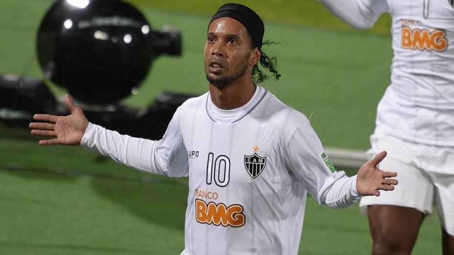O jogador Ronaldinho Gaúcho do Atlético MG durante a partida entre Atlético MG e Raja Casablanca válida pela semifinal do Mundial de Clubes da Fifa 2013, no estádio da cidade de Marrakech em Marrocos, nesta quarta-feira (18)