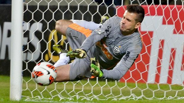 Victor defende pênalti de Maxi Rodriguez e coloca o Atlético na decisão