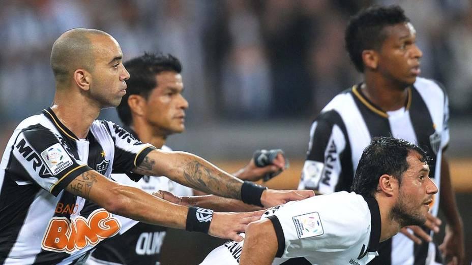 Diego Tardelli durante partida entre Atlético MG e Olimpia, válida pela final da Libertadores 2013, no Estádio do Mineirão, em Belo Horizonte<br><br>   <br><br>  <br><br>