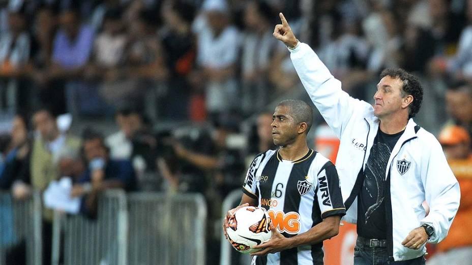 Cuca durante partida entre Atlético MG e Olimpia, válida pela final da Libertadores 2013, no Estádio do Mineirão, em Belo Horizonte