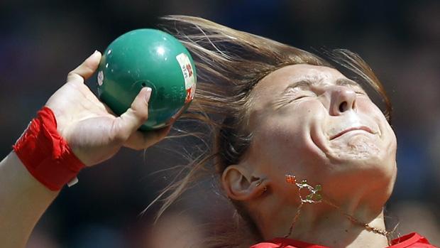 A russa Evgeniia Kolodko durante prova de arremesso de peso nos Jogos Olímpicos de Londres