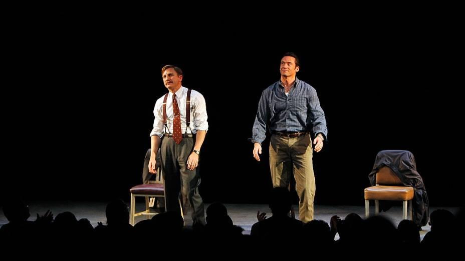 """Atores Daniel Craig (esquerda) e Hugh Jackman, na peça da Broadway """"A Steady Rain"""""""