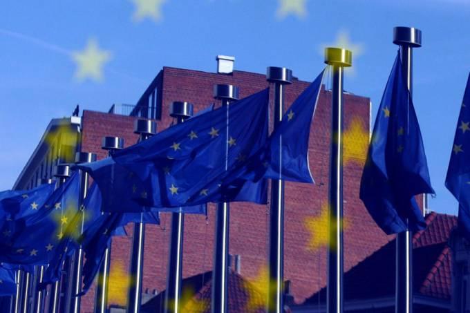 bandeira-uniao-europeia-201201012-original.jpeg