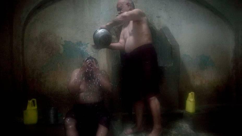 Banho público em Cabul, no Afeganistão