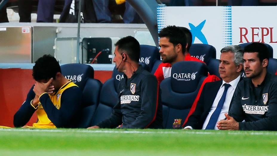 O brasileiro naturalizado espanhol Diego Costa sentiu lesão muscular no início e chorou ao ser substituído