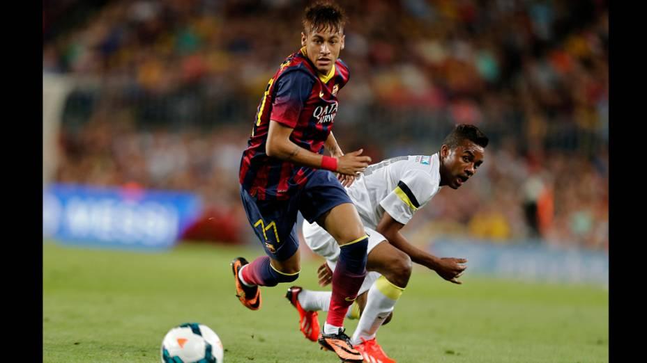 Neymar durante partida contra o Santos, na Espanha