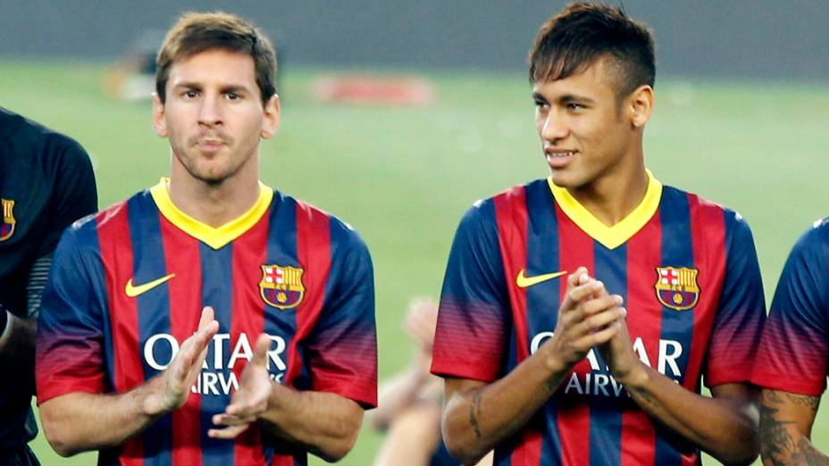 Messi e Neymar antes de partida contra o Santos