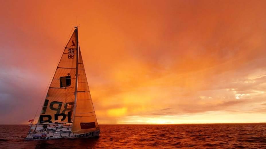 "O francês Jeremie Beyou durante da regata ""Solitaire du Figaro"", na costa francesa"