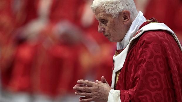 Basílica de São Pedro: papa Bento XVI se reúne com 44 arcebispos