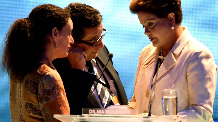 A candidata Dilma Rousseff (PT), durante intervalo do debate entre os presidenciáveis promovido pela Rede Bandeirantes, em 26/08/2014