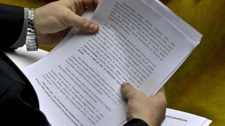 O advogado João dos Santos Gomes Filho, defensor do ex-deputado federal Paulo Rocha (PT-PA), no plenário do Supremo Tribunal Federal no nono dia de julgamento do processo do mensalão