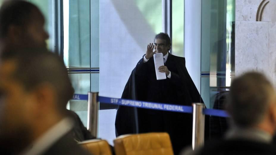 O presidente do STF, ministro Carlos Ayres Britto, durante julgamento do mensalão em sessão que os advogados fazem a defesa dos réus