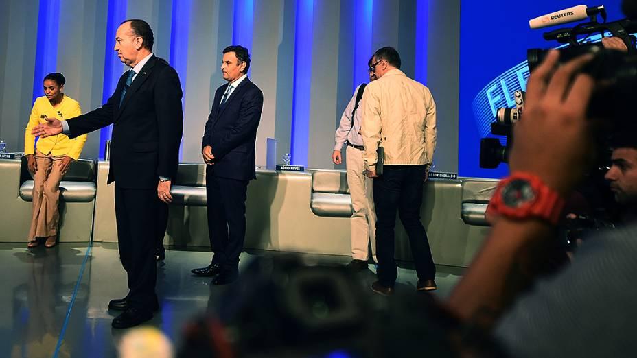 Presidenciáveis antes do debate promovido pela Globo, no Rio