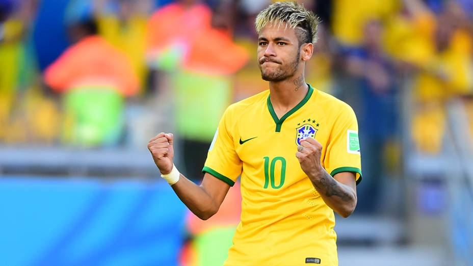 Neymar comemora gol nos pênaltis contra o Chile