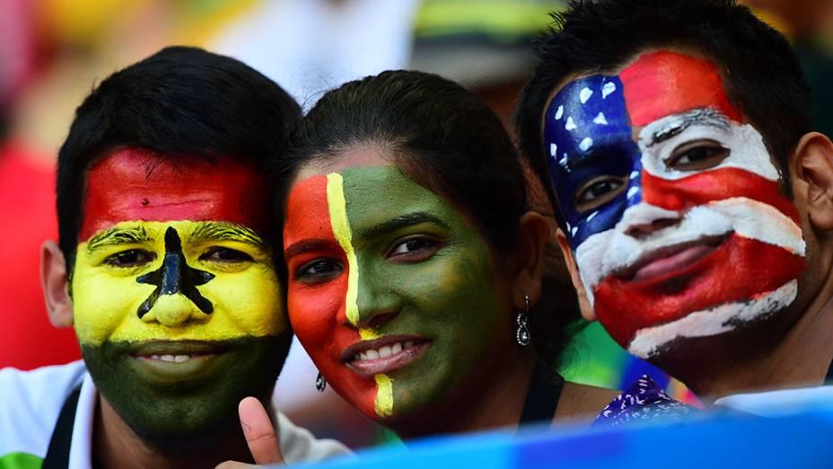 Torcedores aguardam o início da partida entre Gana e Estados Unidos