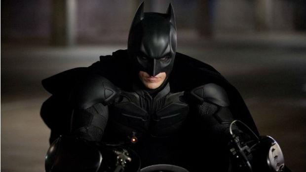 Christian Bale como Batman em O Cavaleiro das Trevas Ressurge