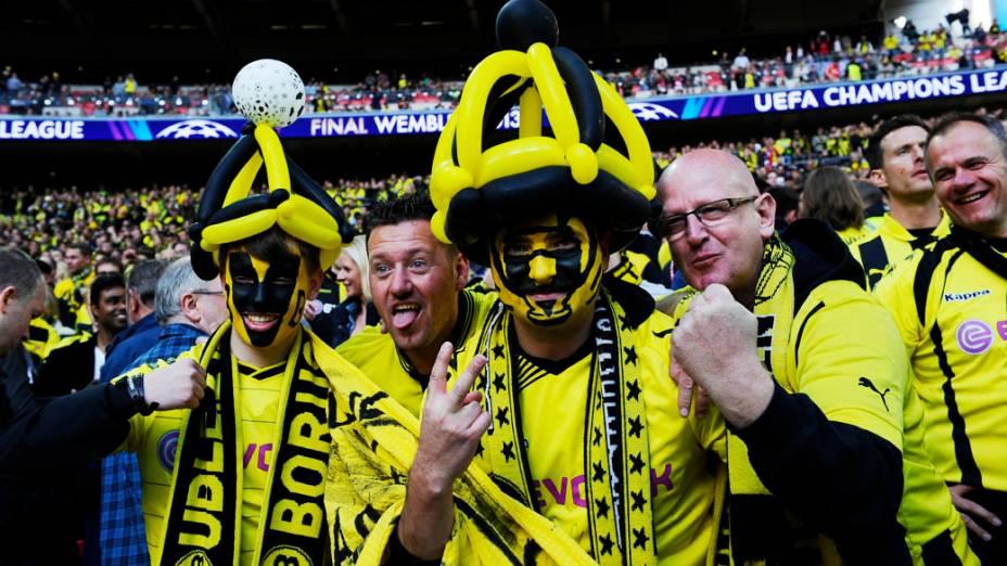 Torcedores na final da Liga dos Campeões jogo entre Borussia Dortmund e Bayern de Munique, no Estádio de Wembley, em Londres