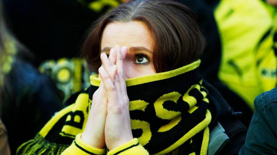 Torcedora durante final da Liga dos Campeões entre Bayern de Munique e Borussia Dortmund, no estádio de Wembley, em Londres