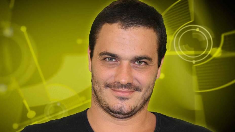 O carioca Rafa tem 35 anos e é projetista de iluminação