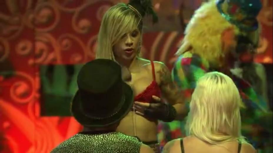 "Vanessa dança durante a festa ""Circo"", do BBB14"