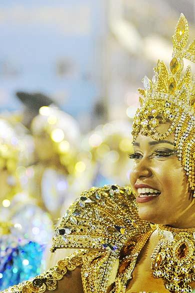 A rainha da bateria da Beija-Flor, Raissa Oliveira