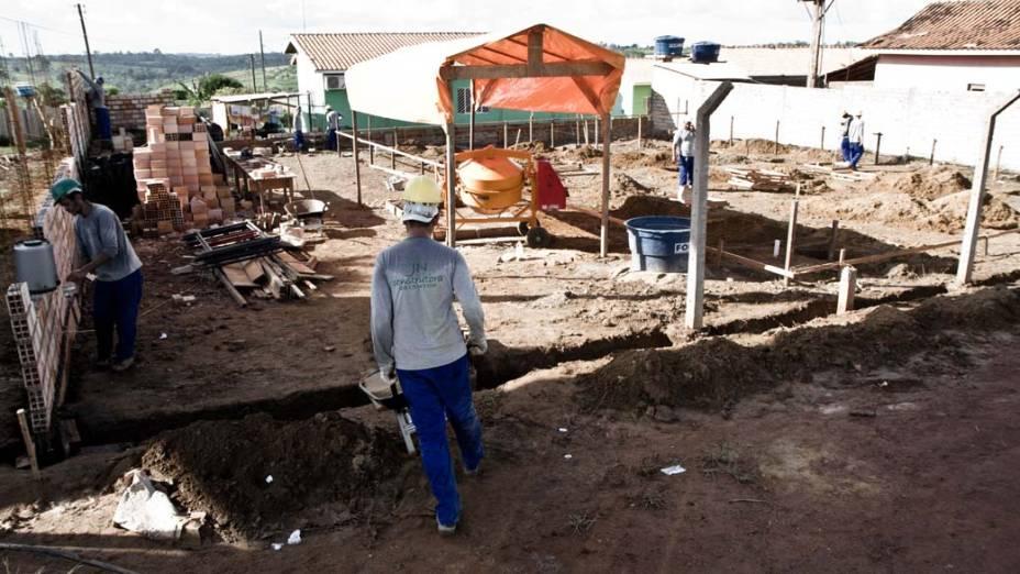 Em Altamira, um posto de saúde é a obra mais adiantada das 70 que, segundo o consórcio Norte Energia, estão em andamento. Condicionantes precisam ser entregues antes  da construção