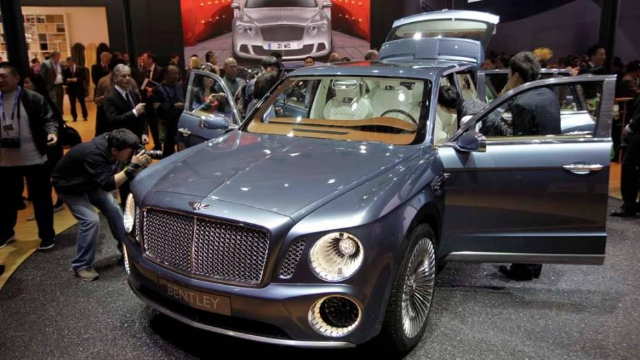 Bentley EXP 9F SUV:  primeiro utilitário esportivo da marca, ainda sem motorização definida. Pode ser o 6.0 litros, W12, de 600 cavalos; ou o 4.0 litros, V8; ou ainda um V6 híbrido