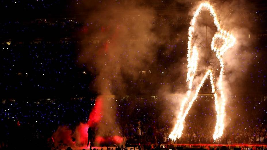 Beyoncé impressionou o público com sua voz - e com efeitos especiais da apresentação