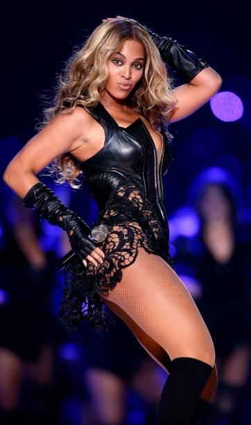Toda a graça de Beyoncé no show do intervalo Super Bowl