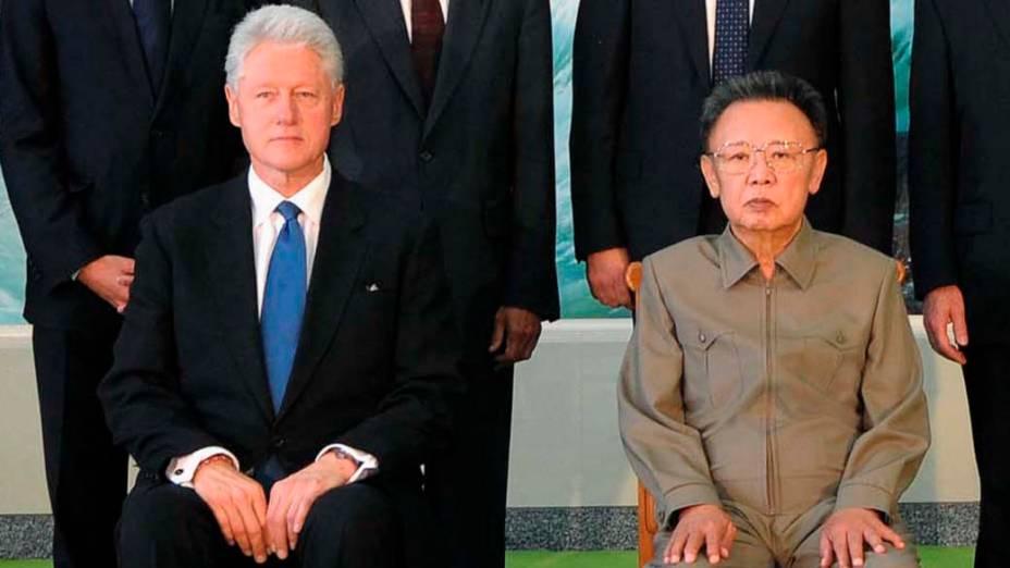 Ex-presidente norte-americano, Bill Clinton, durante visita a Kim Jong-Il em Pyongyang, Coreia do Norte, outubro de 2009