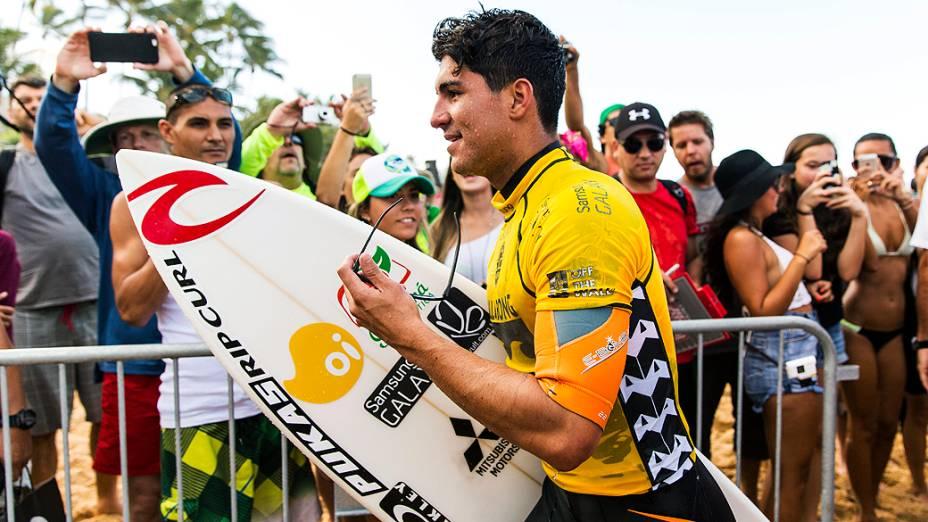 Movimentação na praia de Pipeline, no Havaí, onde acontece o Pipe Master, etapa final do WCT (de 8 a 20 de dezembro de 2014). Gabriel Medina, que disputa a competição, pode ser o primeiro brasileiro a ganhar o mundial de Surfe