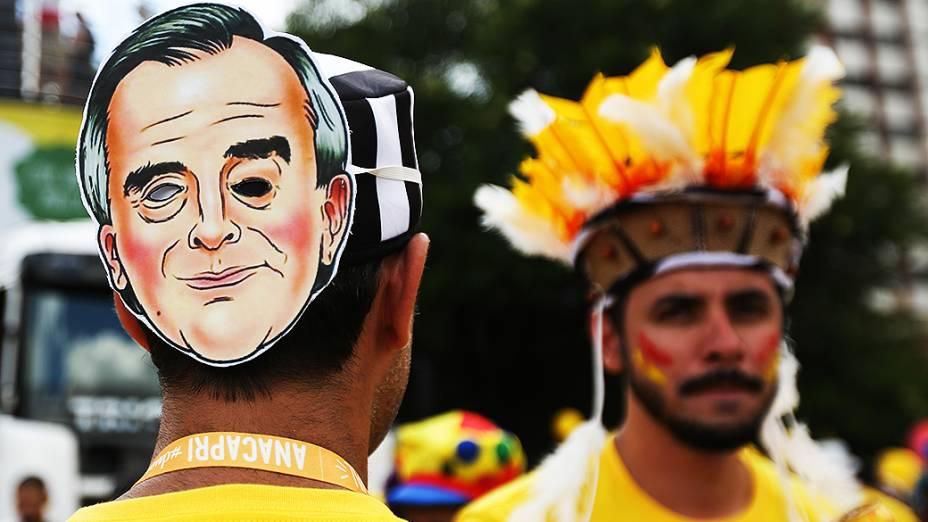 Máscara de Nestor Cerveró é fantasia no bloco