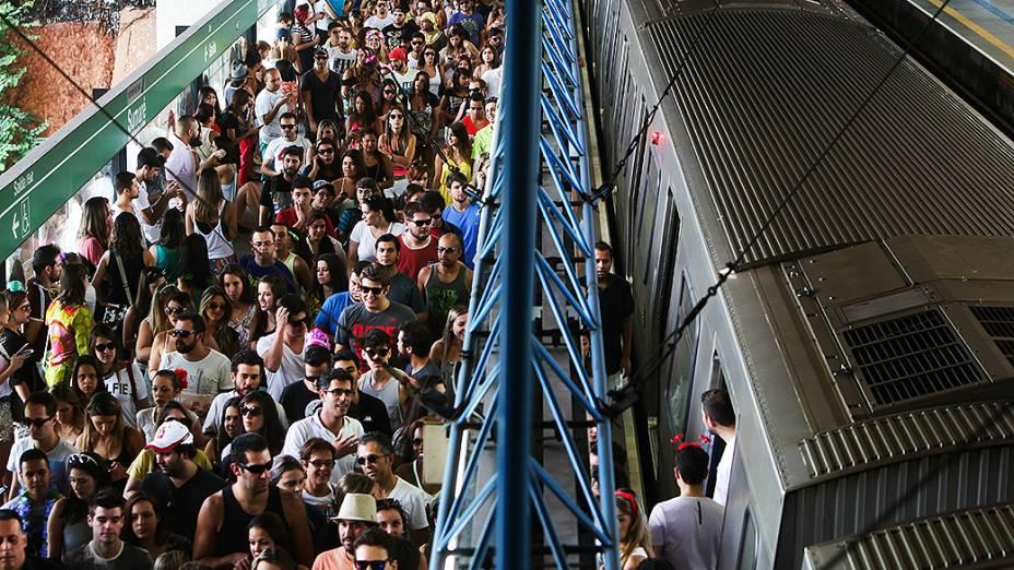 Multidão no metrô Sumaré