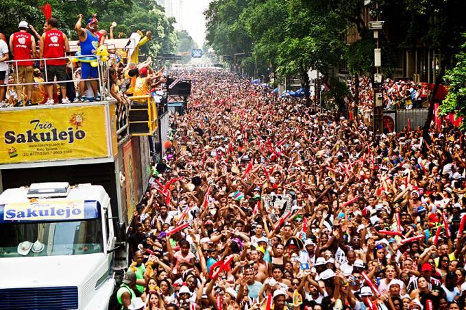 bloco-de-rua-rio-de-janeiro-carnaval-bola-preta-20130209-01-original.jpeg