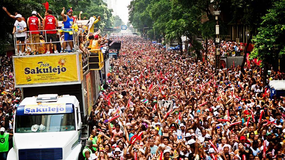 Desfile do bloco de rua Cordão do Bola Preta, no centro do Rio de Janeiro