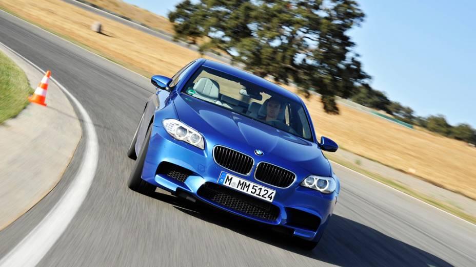 A BMW confirmou nesta semana a chegada da 5ª e última geração do M5 ao mercado brasileiro