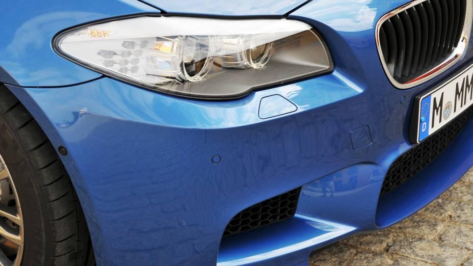 O desenho do novo M5 é praticamente idêntico ao do carro conceito apresentado no Salão de Xangai, na China, em abril de 2011