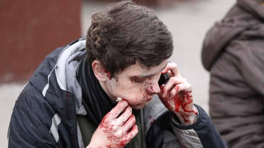 Sobrevivente do ataque terrorista que ocorreu no metrô de Moscou no dia 29 de março. A explosão causada por duas mulheres-bomba matou pelo menos 38 pessoas