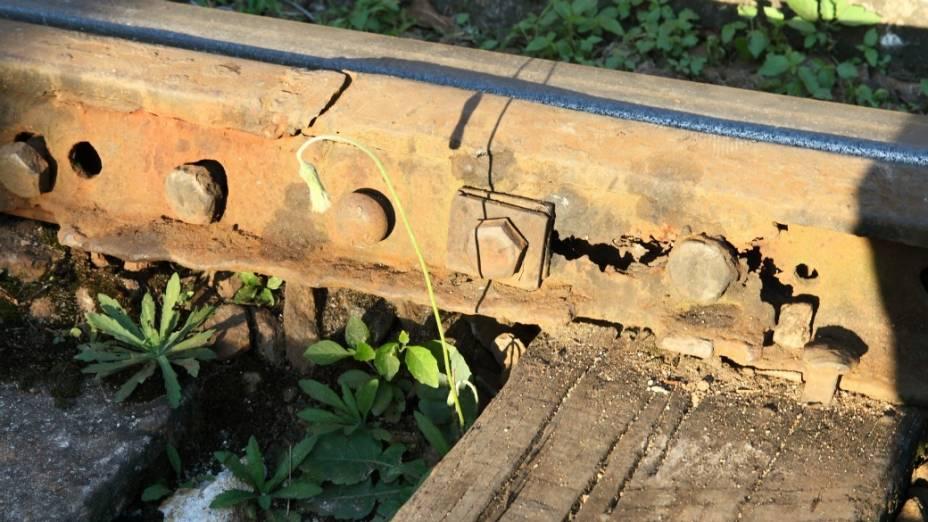 Oxidação e corrosão ao longo dos trilhos: risco de descarrilamento