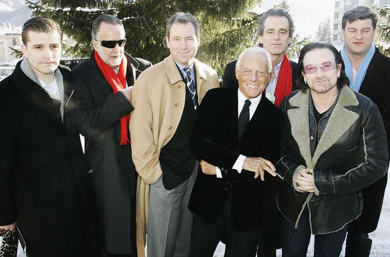 Em 2006, no Fórum Econômico Mundial em Davos, na Suíça, Bono se reuniu com executivos e líderes para discutir questões da globalização.