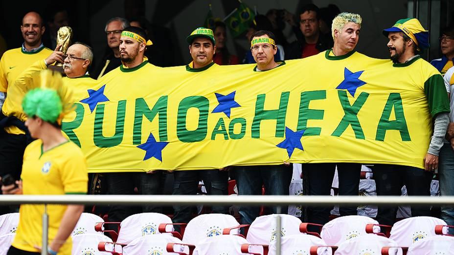 Torcedores do Brasil acompanham amistoso contra a Sérvia, em São Paulo