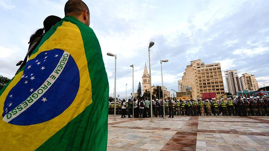 Aconteceu na última quinta-feira (13/03) um protesto contra a Copa do Mundo no Largo da Batata, no bairro de Pinheiros, em São Paulo
