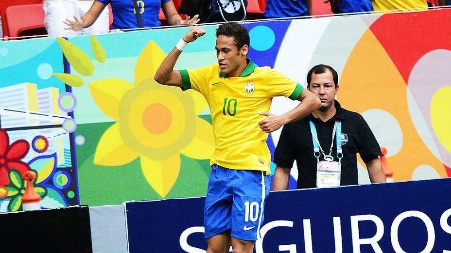 Neymar comemora gol durante amistoso entre Brasil e Austrália no estádio Mané Garrincha em Brasília