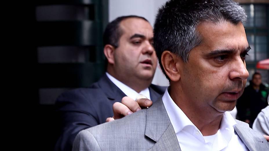 O ex-subsecretário da Receita Municipal da prefeitura de São Paulo, Ronilson Bezerra Rodrigues sendo detido por envolvimento no desvio milionário no recolhimento do Imposto Sobre Serviços (ISS) dentro da secretaria municipal de Finanças - (30/10/2013)