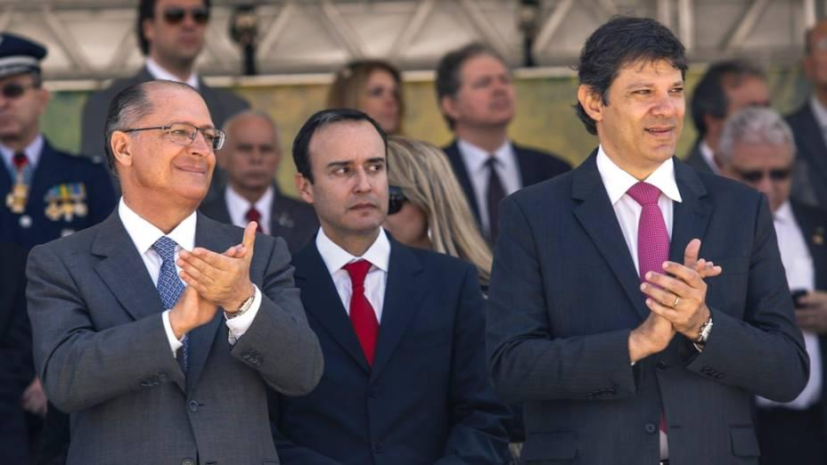 Governador Geraldo Alckmin e o prefeito Fernando Haddad durante o desfilede comemoração de 7 de Setembro, no Anhembi, em São Paulo