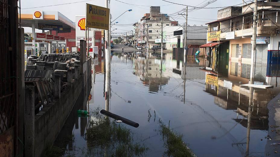 Enchente nas ruas de Vila Velha