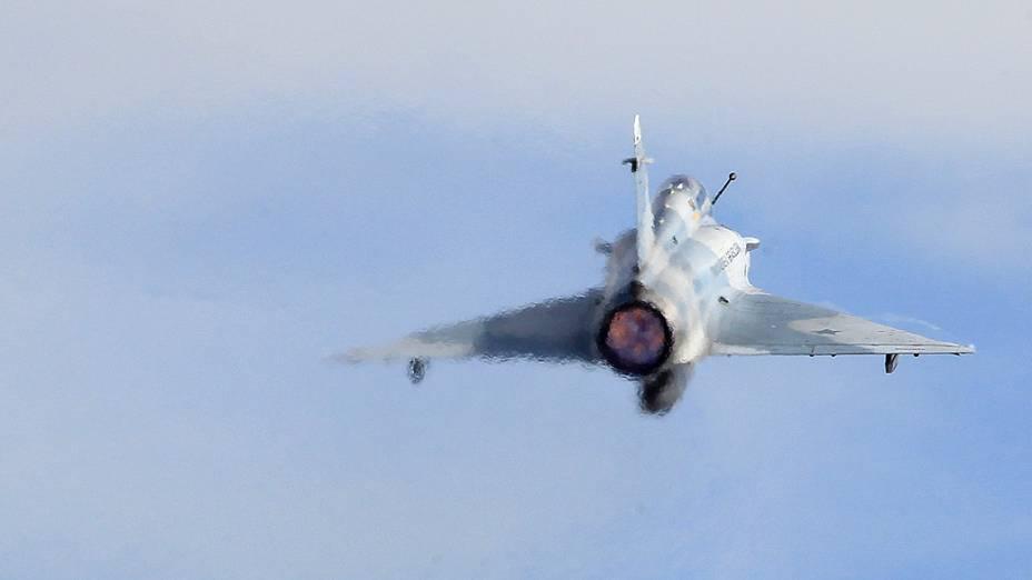 Mirage decola da Base Aérea de Anápolis: propulsão poderosa