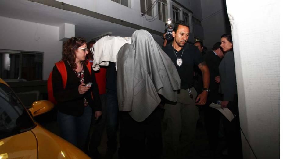 Quatro agentes ligados à subsecretaria da Receita da gestão do ex-prefeito Gilberto Kassab foram presos por suspeita de integrar esquema de corrupção que causou prejuízos de pelo menos R$ 200 milhões aos cofres públicos nos últimos três anos, segundo o Ministério Público (MP), em São Paulo