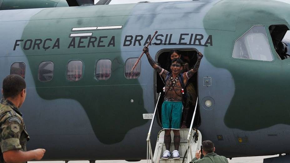 Índios da etnia Munduruku chegam à capital federal, para reunião com representantes do governo