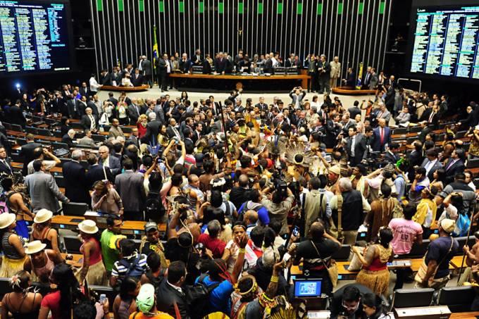 brasil-indios-camara-deputados-20130416-05-original.jpeg